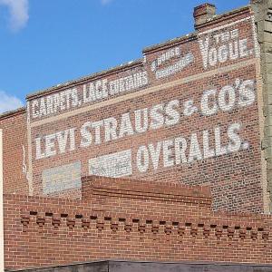 Prezes Levi'sa nie chce klientów i pracowników z bronią
