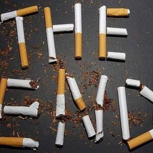 Koniec z dymkiem w czasie pracy. Coraz więcej firm wprowadza całkowity zakaz palenia