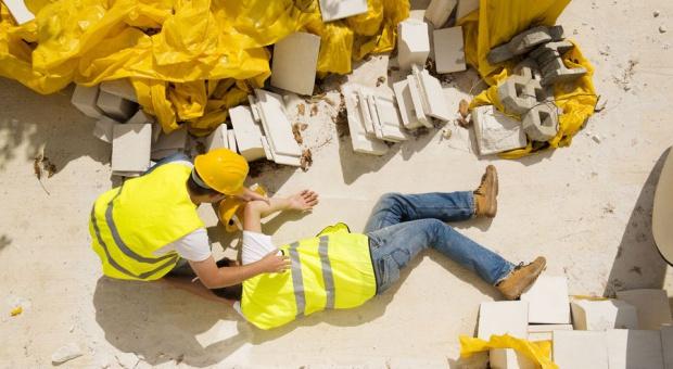 GUS: O ponad jedną trzecią spadła liczba śmiertelnych wypadków przy pracy