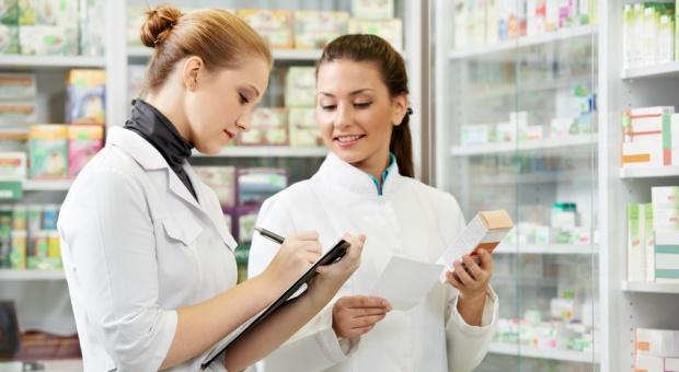 """Pomysł """"apteki dla aptekarza"""" dzieli farmaceutów"""