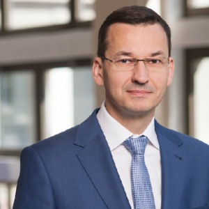 Morawiecki: Urzędnicy nie mogą stać między pracodawcą a pracownikiem