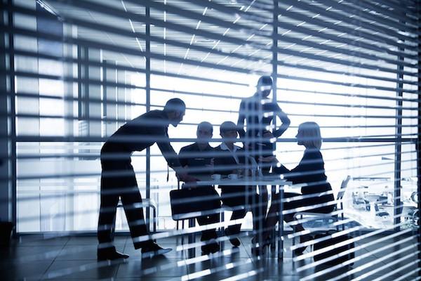 - Stolica jest siedzibą zagranicznych firm przede wszystkim z USA, Wielkiej Brytanii, Francji, Niemiec, Skandynawii. Rośnie również zainteresowanie Warszawą inwestorów ze Szwajcarii - dodaje Wiktor Doktór. (Fot. Shutterstock)