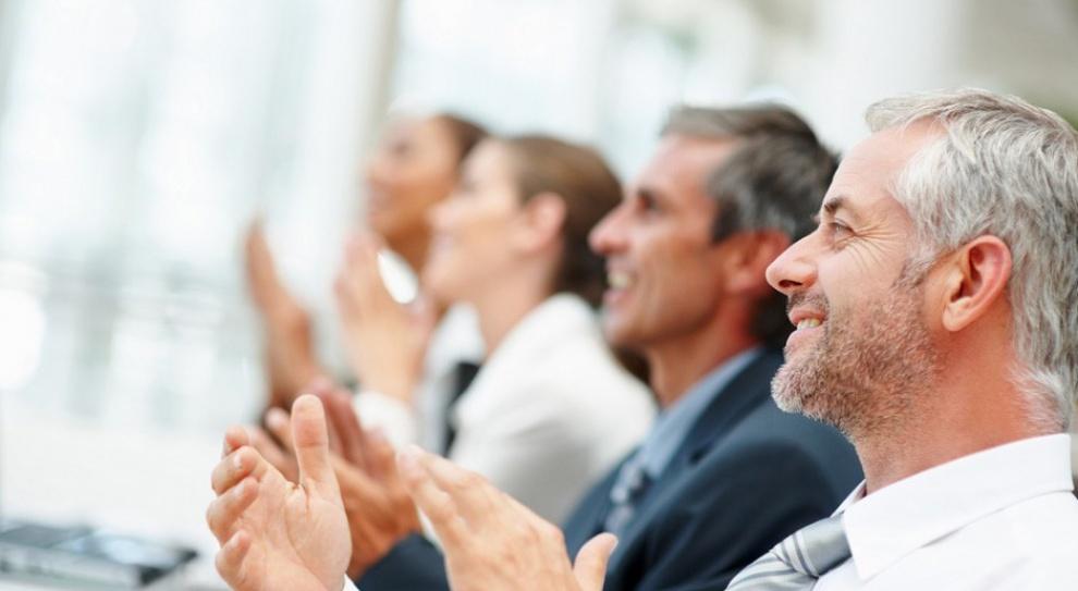 Praca w BPO: Rekrutacja osób po 50. roku życia to norma