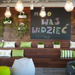 Pianino w biurze i zebranie na rowerach. Tak firma Sage wspiera kreatywność pracowników