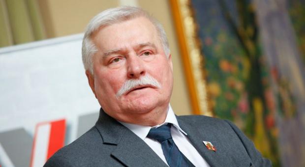 Były prezydent Lech Wałęsa szuka pracy. Przez internet