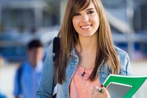 Młodzi nie wybierają studiów, które zapewnią im pracę