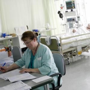 Pielęgniarki kontraktowe przeciążone pracą