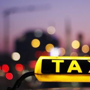 Taksówkarze domagają się równego traktowania przewoźników
