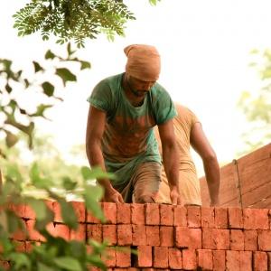 ZUS i Straż Graniczna sprawdzą legalność pracy cudzoziemców