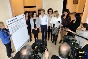 Nowoczesna, manifest: Równe płace kobiet i mężczyzn oraz elastyczny czas pracy dla kobiet