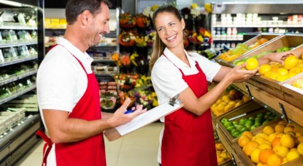 Praca i zarobki w handlu: Dziś święto pracowników sektora