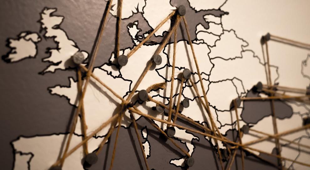 Praca za granicą: Niemcy, Wielka Brytania, a może Francja? Jakie kierunki wybierają Europejczycy?