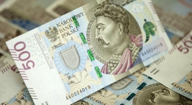 Nowy banknot 500 zł to odpowiedź na zmiany na rynku pracy czy zagrożenie?