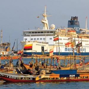 Te statki to pływające szpitale. Każdego roku pracuje na nich za darmo tysiąc ochotników