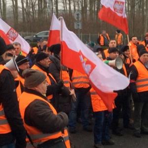 Pracownicy Lotos Kolej protestują. Chcą odwołania wiceprezesa