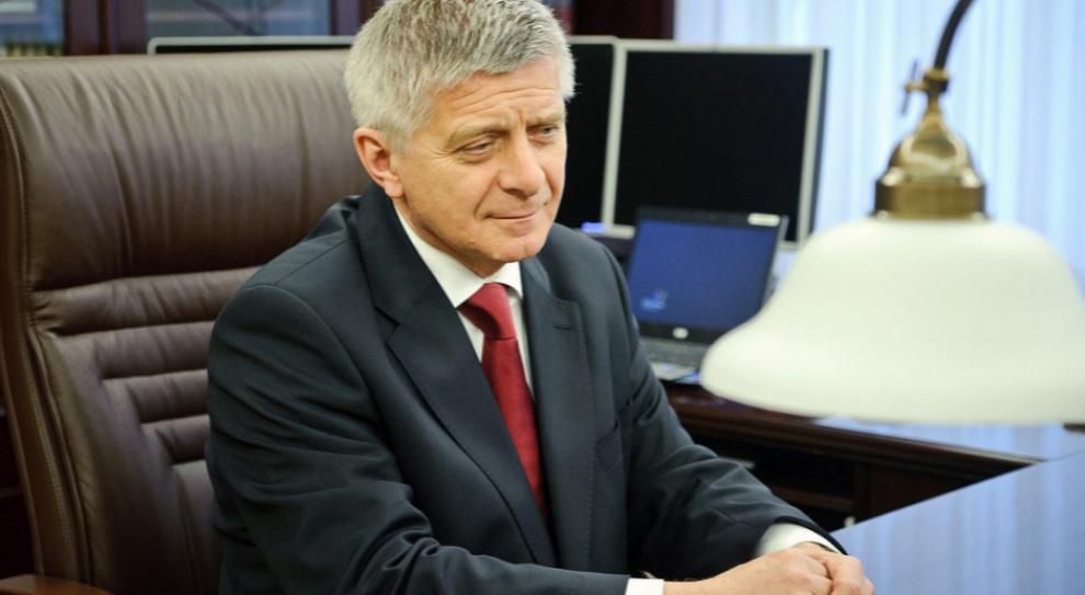 Amber Gold: Były szef NBP Marek Belka przed komisją śledczą