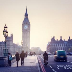 W Wielkiej Brytanii tylko w branży finansowej zniknie 30 tys. miejsc pracy. Firmy przeniosą się do Polski?