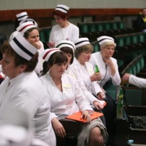 Pielęgniarki domagają się włączenia dodatku do pensji