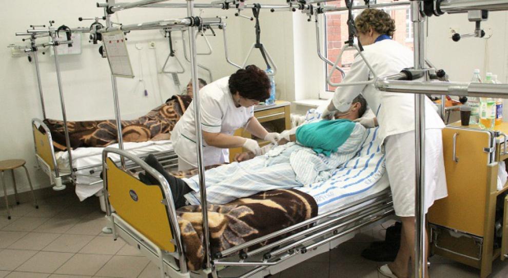 Pielęgniarki padają z nóg. Etatowe i kontraktowe