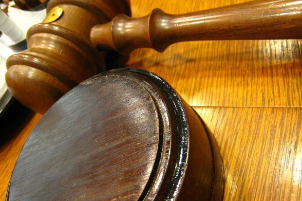 Resort sprawiedliwości obetnie uposażenie sędziów w stanie spoczynku?