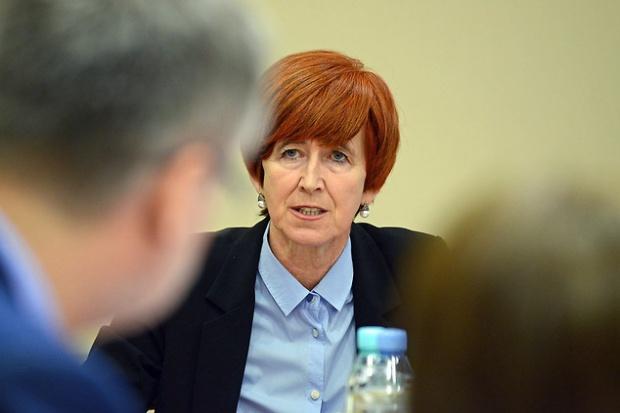 Rafalska: Trzeba pobudzić urzędy pracy do intensywniejszego działania