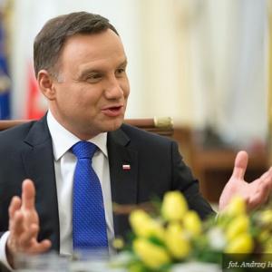 Zmiany w ubezpieczeniu pracowników Krajowej Administracji Skarbowej z podpisem prezydenta