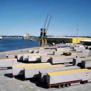 Pracownicy Morskiego Portu Gdańsk piszą do Kaczyńskiego. Zarząd odpowiada