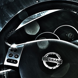 Nissan ma problemy przez pracowników bez odpowiednich certyfikacji