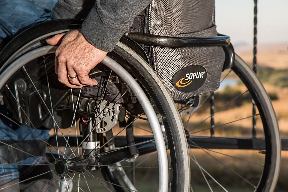 Z danych opublikowanych niedawno przez Główny Urząd Statystyczny wynika, że tylko co czwarty niepełnosprawny jest zatrudniony. (fot. pixabay)