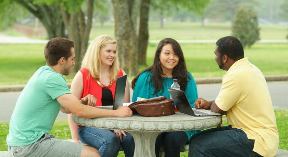 Studia: Polskie uczelnie chcą przyciągnąć studentów z Kanady
