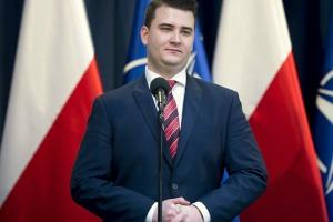 Bartłomiej Misiewicz zarabia więcej niż wiceministrowie rządu Beaty Szydło