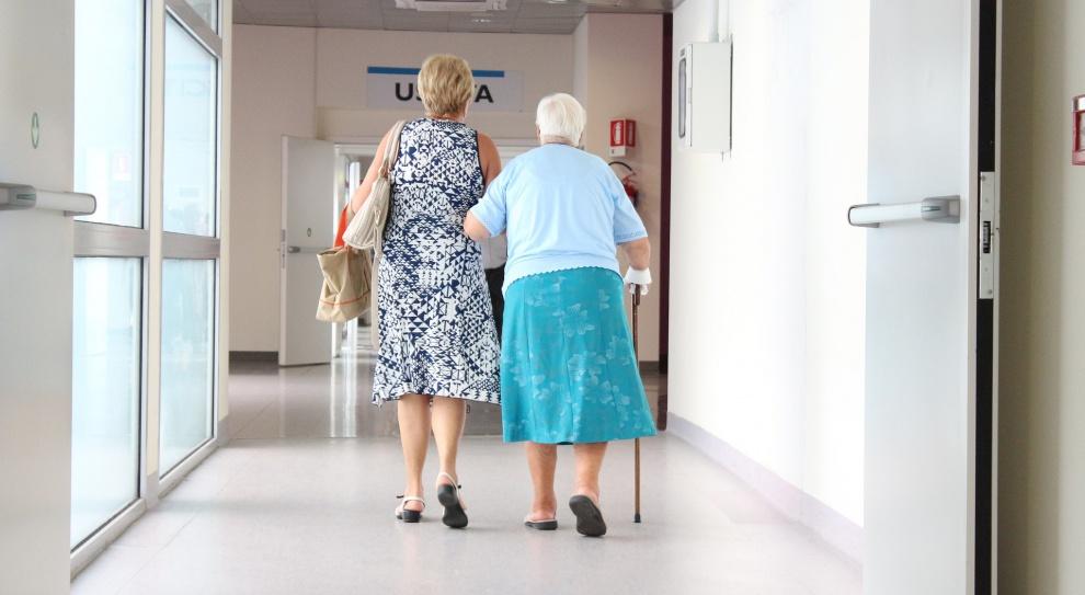 Demografia: Starzenie się Polaków będzie wymagało rozwinięcia usług opiekuńczych