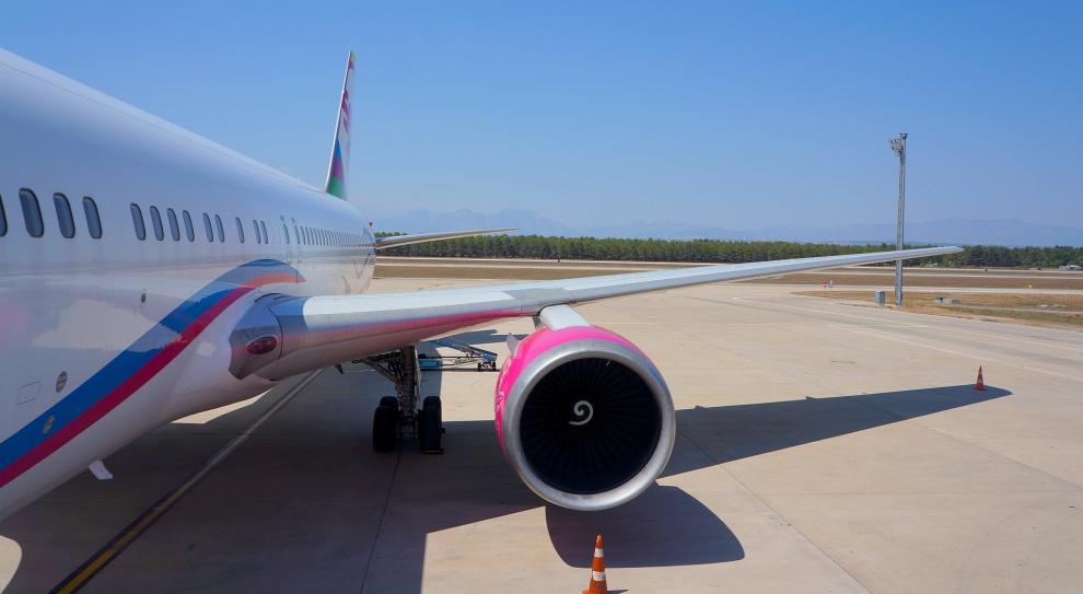 Firmy nie zapłacą podatku od przychodów z biletów lotniczych?