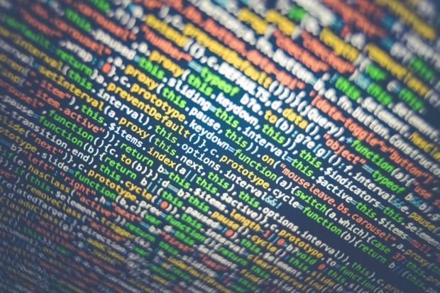 Luka w IT wciąż rośnie. Cała Europa będzie przerabiać pracowników na informatyków?