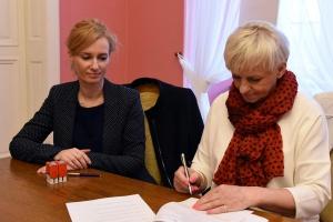 Poznań tworzy etaty dla asystentów rodziny