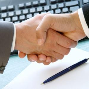 Są porozumienia płacowe w kolejnych spółkach grupy Orlen