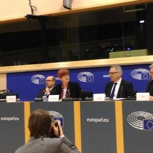 Szwed: Propozycja ograniczająca okres delegowania pracowników nie do przyjęcia
