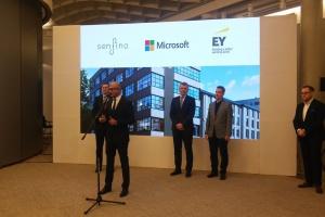 Mateusz Morawiecki spotkał się z Satyą Nadellą. Nowa inicjatywa dla start-upów w Polsce