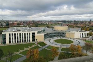 Poznańskie uczelnie mają pomysł, jak zatrzymać absolwentów w regionie