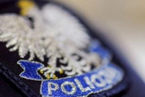 Czterej funkcjonariusze i pracownik Komendy Stołecznej Policji zatrzymani