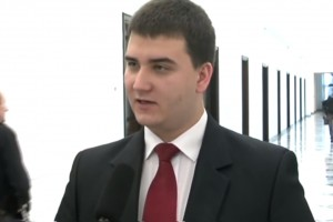 Bartłomiej Misiewicz nieźle zarabia na nowym stanowisku. Jest i oświadczenie PGZ