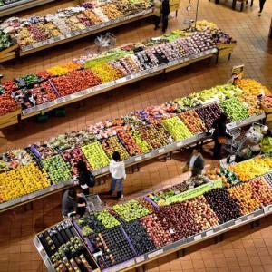 Planujesz zakupy w Wielką Sobotę? Sprawdź, do której czynne są sklepy