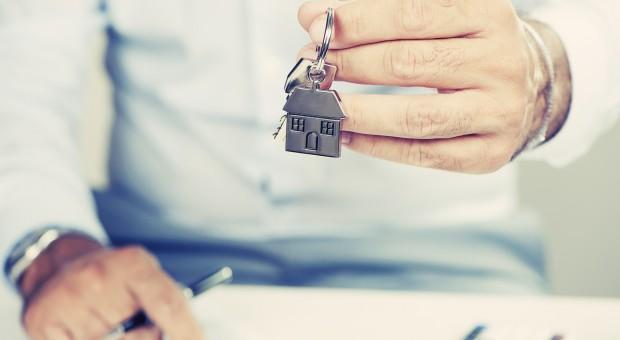 Wkład własny do kredytu na 45-metrowe mieszkanie to kilkanaście lat oszczędzania