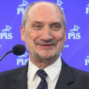 Mazurek: Wniosek o odwołanie ministra Macierewicza nie ma szans na powodzenie