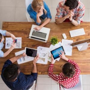 Co utrudnia studentom wejście na rynek pracy?