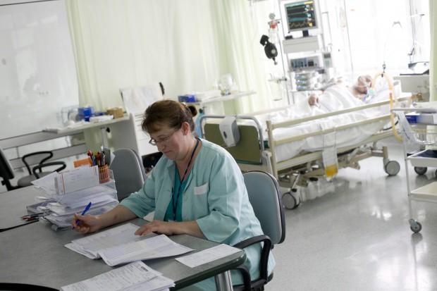 Zwolnienia w szpitalu wojewódzkim. Pielęgniarki i położne najbardziej zagrożone