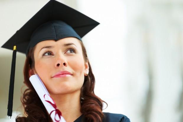Co zakłada duży doktorat badawczy?