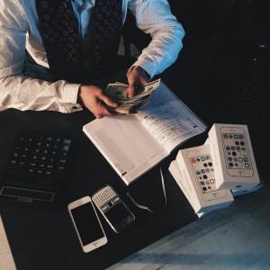Co czwarty dyrektor finansowy zarabia 25 tys. zł