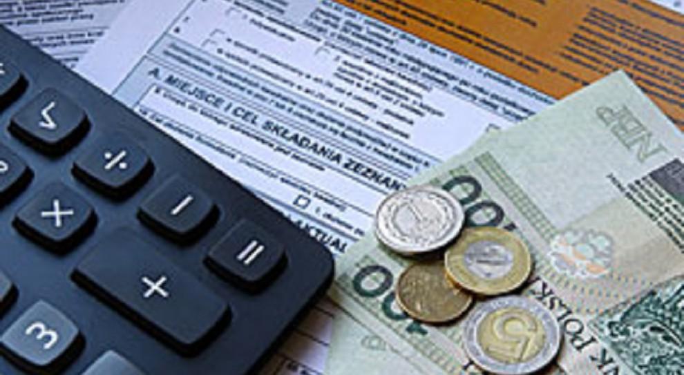 Większość Polaków chce obniżenia PIT najmniej zarabiającym