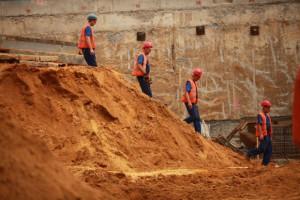 Budowlany boom pod presją kryzysu na rynku pracy